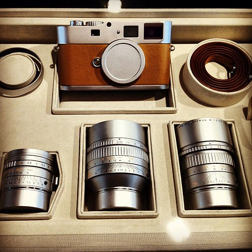 DAS WESENTLICHE TOKYO - Leica M9P gift set. Custom body and lens lit. | by Nokton