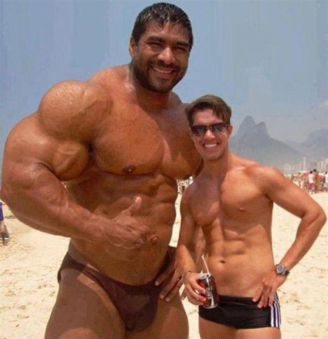 Huge bodybuilder | Read more pongaparty.com