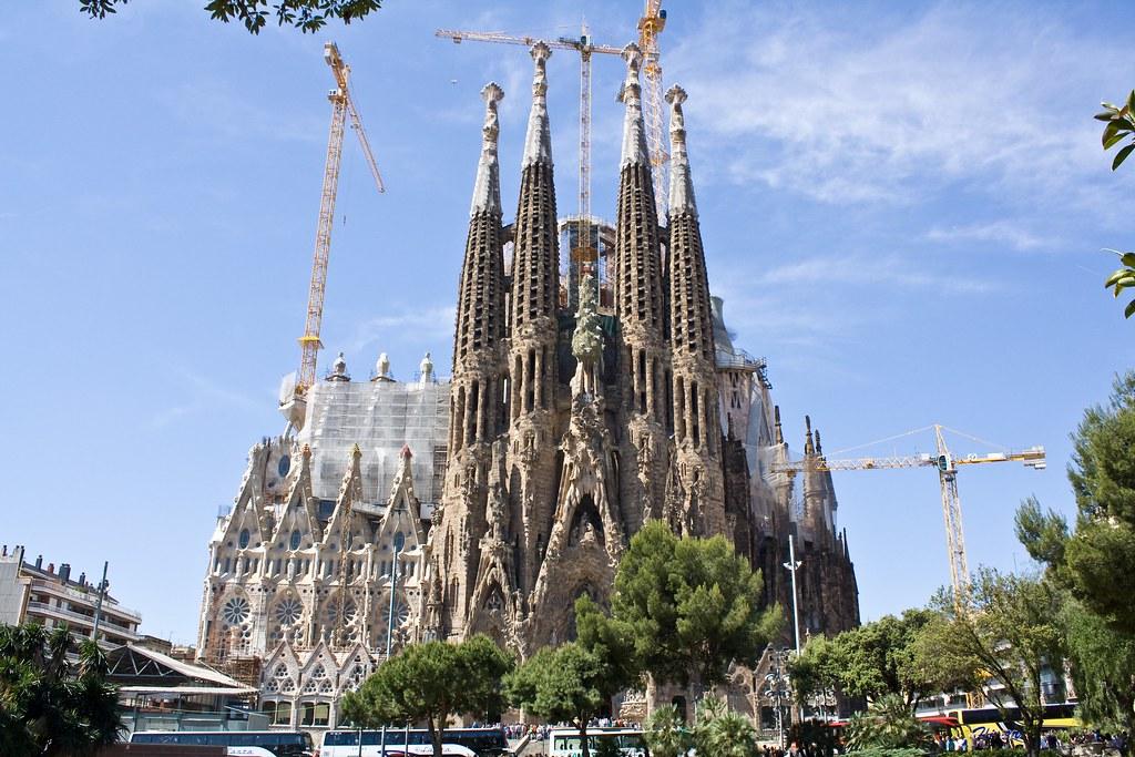 Sagrada fam lia bas lica i temple expiatori de la sagrad - Greatest architects of all time ...
