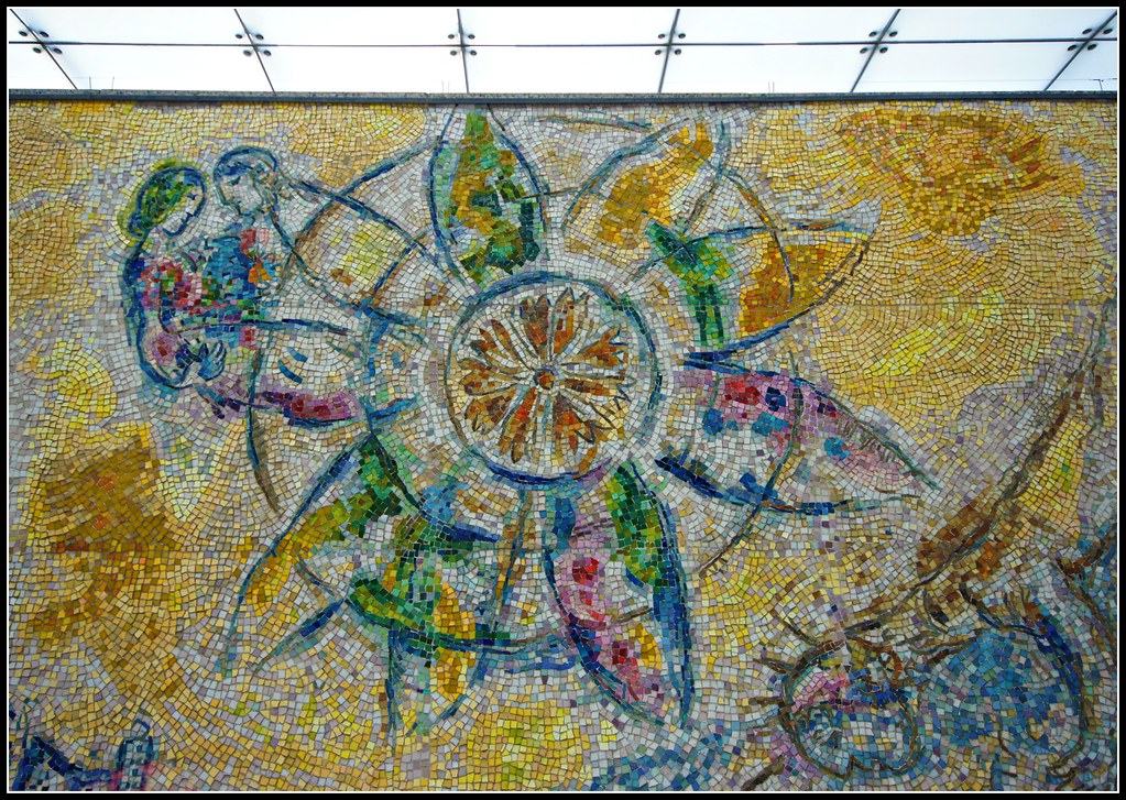 Mosaic mural detail chicago marc chagall artist flickr for Chagall mural chicago