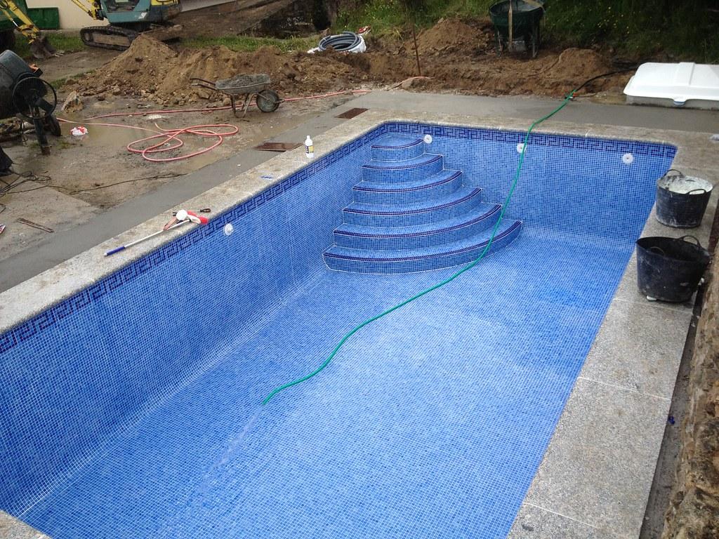 Piscina hormig n obra silleda piscina hormig n for Hormigon gunitado piscinas