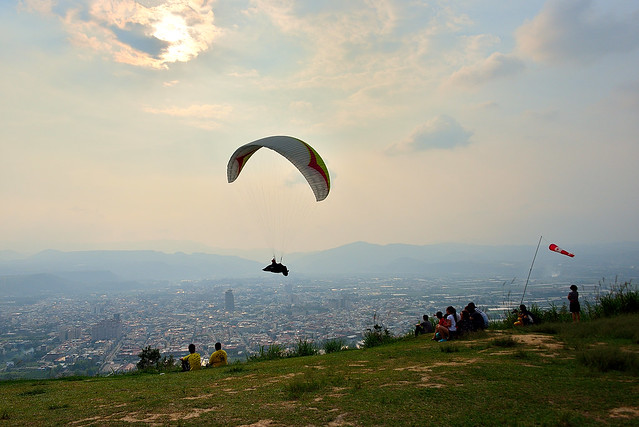Sailing in sky 埔里虎頭山飛行傘