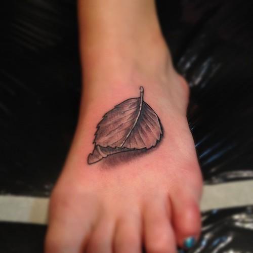 Fun little rose leaf flower rose leaf tattoo art for Rose and leaf tattoos