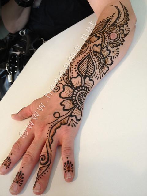 Mehndi Arm Music : Henna flowers on arm flickr photo sharing