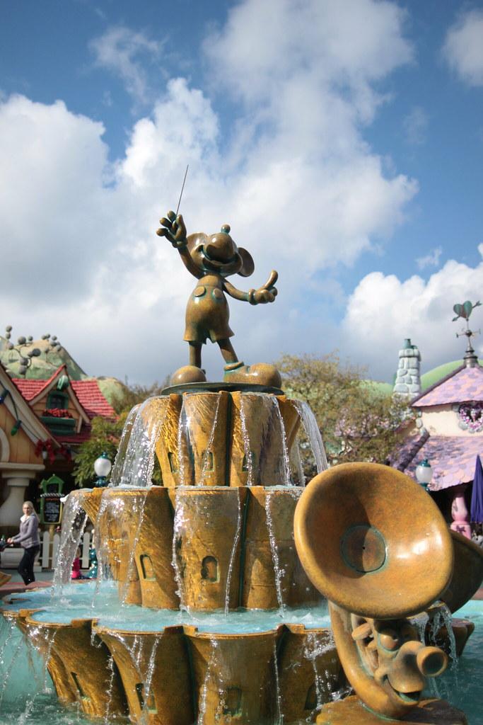 The Mickey Mouse Fountain Toontown Disneyland Anaheim