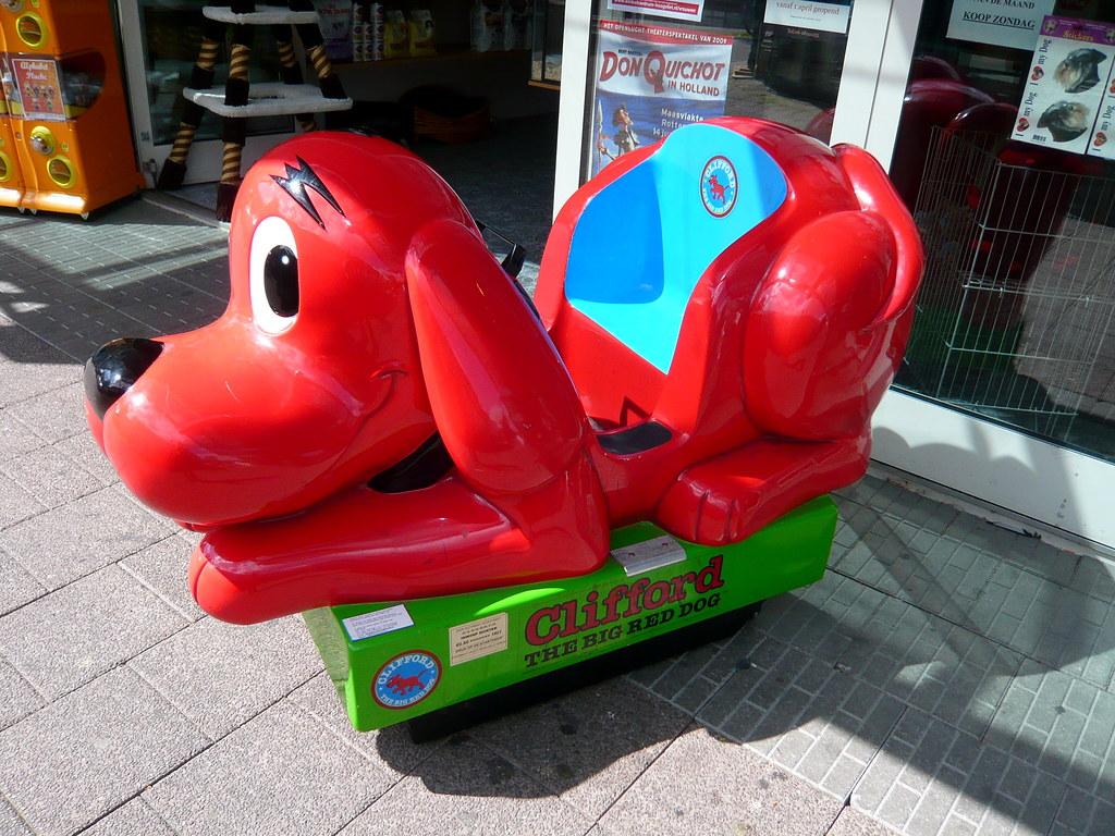 Clifford The Big Red Dog Kiddie Ride
