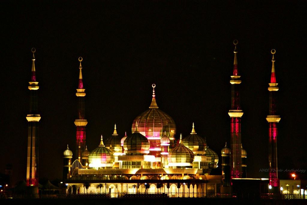 Homestay Masjid Kristal Masjid Kristal at Night