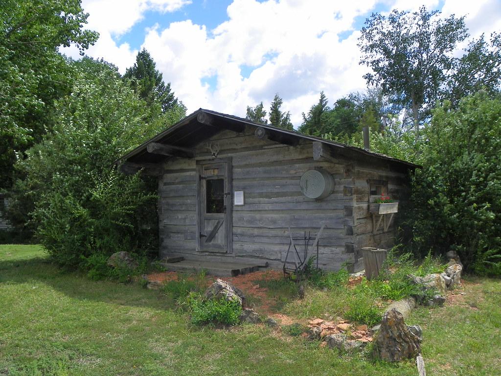 Historic Log Cabin | Ekalaka, Carter County, Montana | J ...
