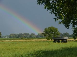 Regenbogen und Anhänger