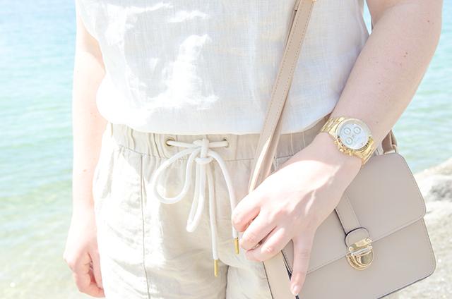 Look con prendas de lino, imprescindible para el verano.