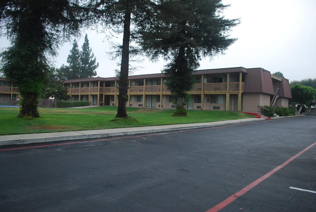 Motel  Claremont