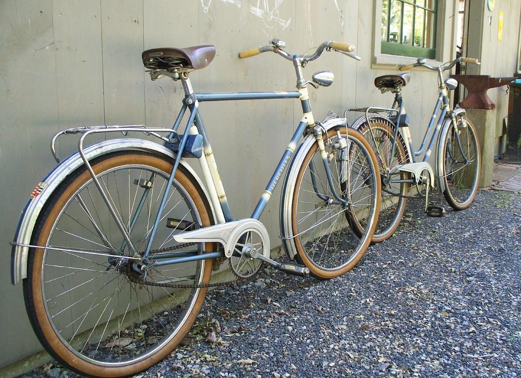 1964 men 39 s hercules city town bike stylish town bike. Black Bedroom Furniture Sets. Home Design Ideas