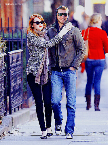 emma stone and liam hemsworth | by JonasBelieber Emma Stone