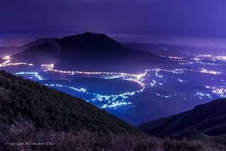 Foggy Mountain under twilight 藍色微光七星 | by Sharleen Chao