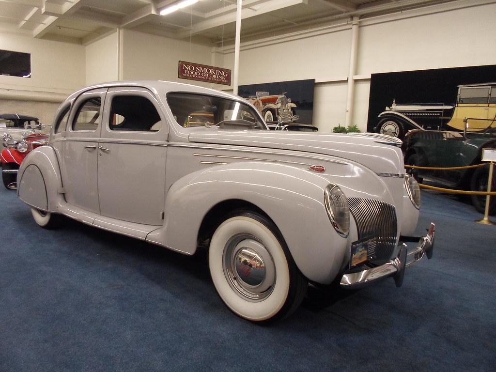 1939 lincoln zephyr 1939 lincoln zephyr with v12 engine. Black Bedroom Furniture Sets. Home Design Ideas