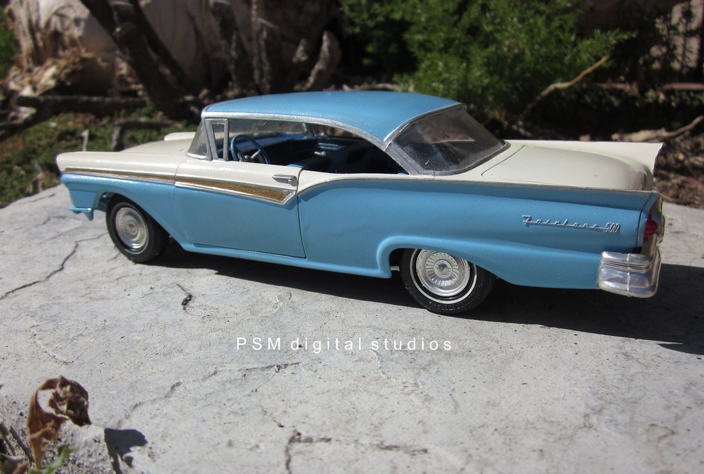1957 ford fairlane 500 2 door hardtop amt 1 25th scale for 1957 ford 2 door hardtop