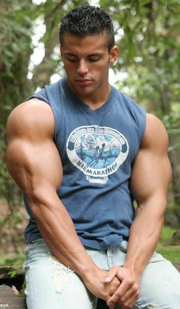 Chris jalali biceps mouth hands josh iver flickr for Buff dudes t shirt