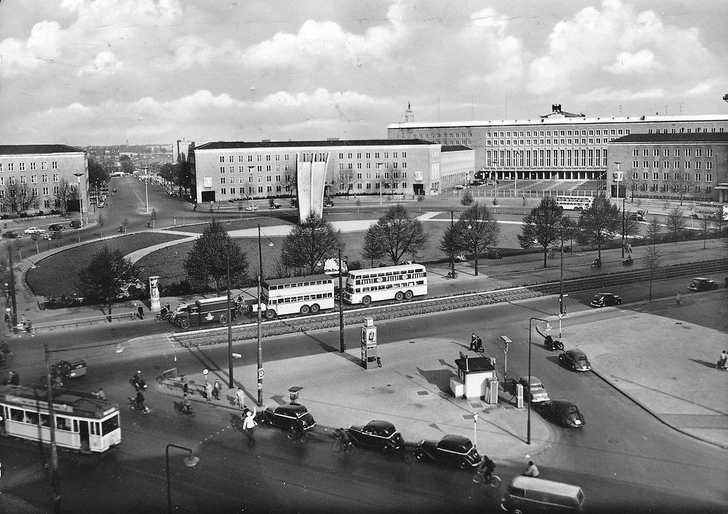 berlin tempelhof platz der luftbr cke 1955 historische a flickr. Black Bedroom Furniture Sets. Home Design Ideas