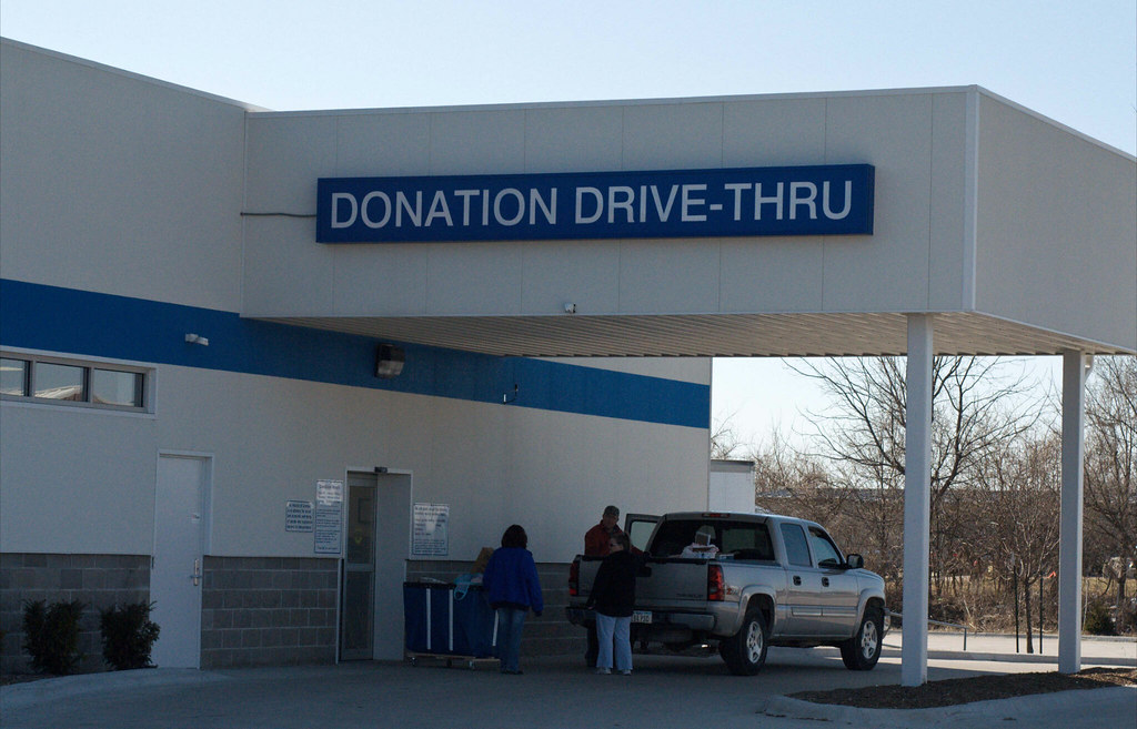 Stores That Donate Food To Schools