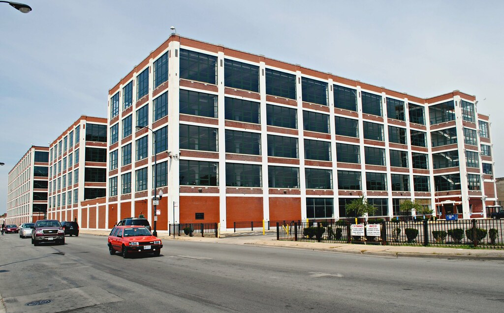 former olson rug building 4000 w diversey chicago il