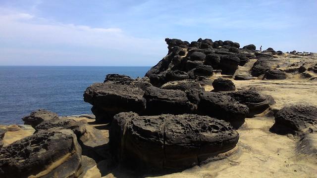 朵朵蕈狀岩,造型千奇百怪。攝影:林倩如。