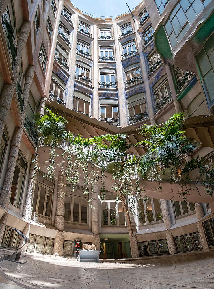 La Pedrera / Casa Milà courtyard | Marcus Scott-Taggart ...