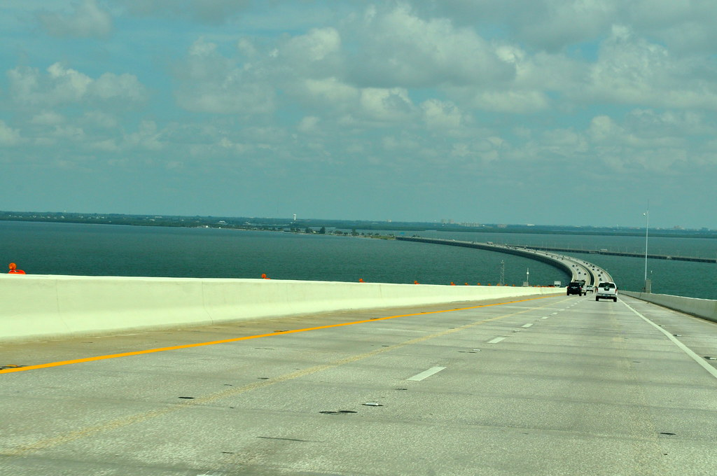 Sunshine skyway bridge we drove over it at 3am the night for Skyway fishing report