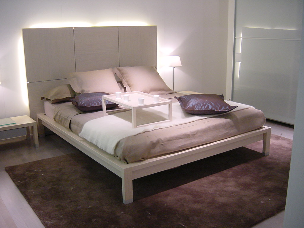 ligne roset lumeo bed stock image european king size bed 7 flickr. Black Bedroom Furniture Sets. Home Design Ideas