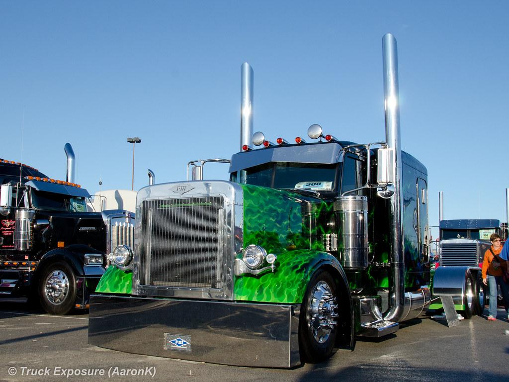 Peterbilt 379 Mid America Trucking Show 2012 Aaronk