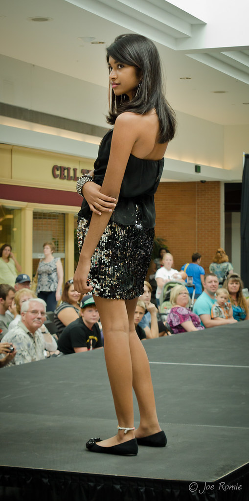 Fort Wayne Mall >> Glenbrook Mall fashion show - 004   Model: Aashka ...