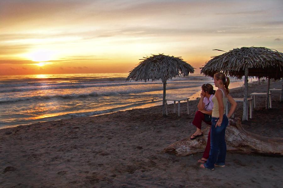 Amanecer en casitas veracruz alfredo garza flickr for Casitas veracruz