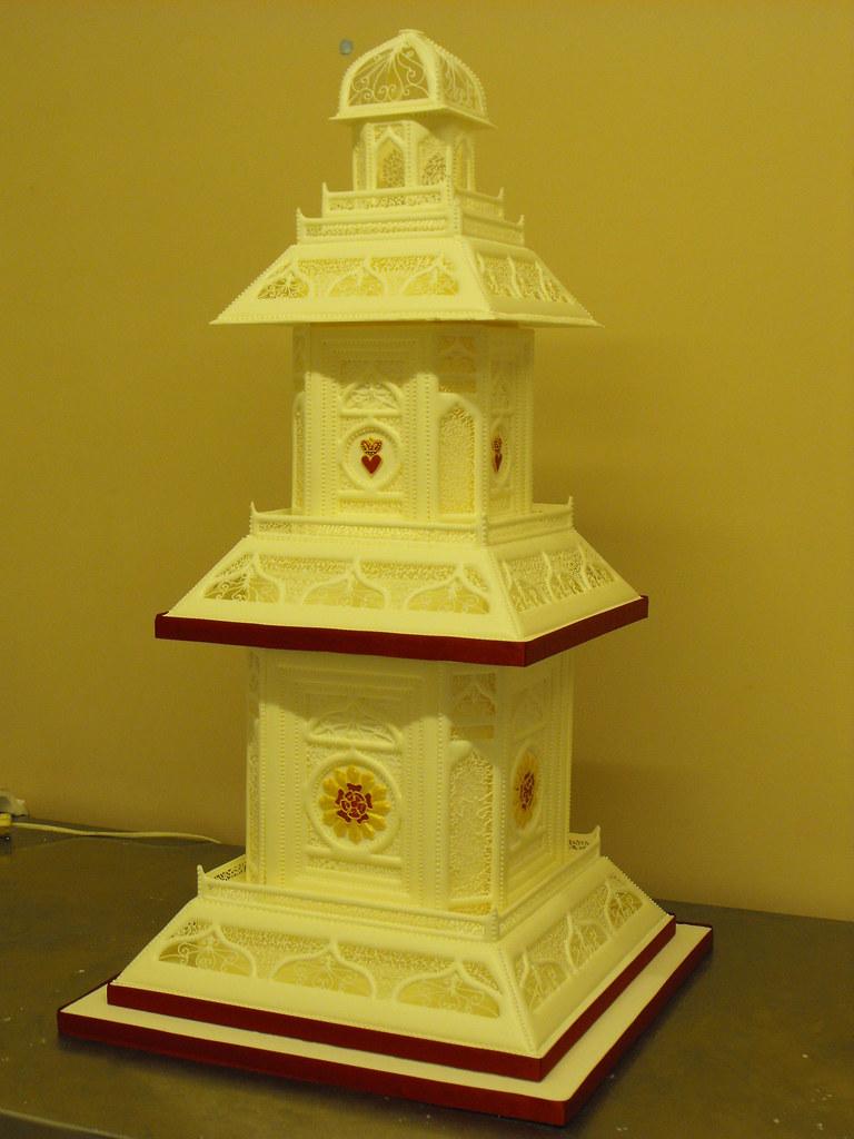 royal iced wedding cake kc wedding cakes grimsby my. Black Bedroom Furniture Sets. Home Design Ideas