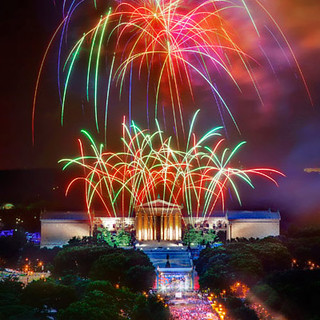 4th-of-jiy-fireworks-art-museum-philadelphia-600 | by nylonmagazine