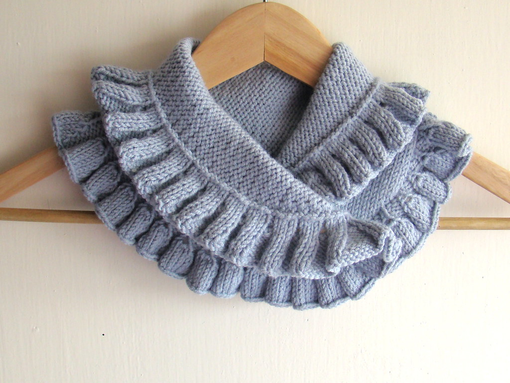 Hand knitted Grey Blue Neck Warmer | Pure Craft | Flickr