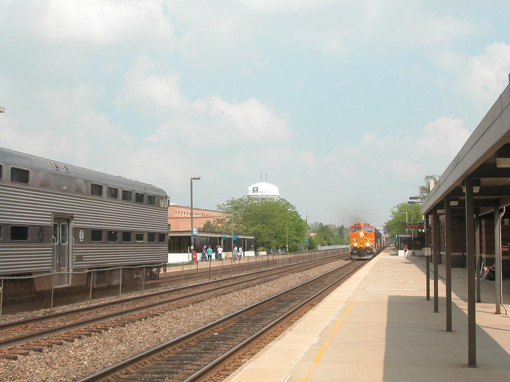 20040511 16 Metra BNSF Naperville, IL | David Wilson | Flickr