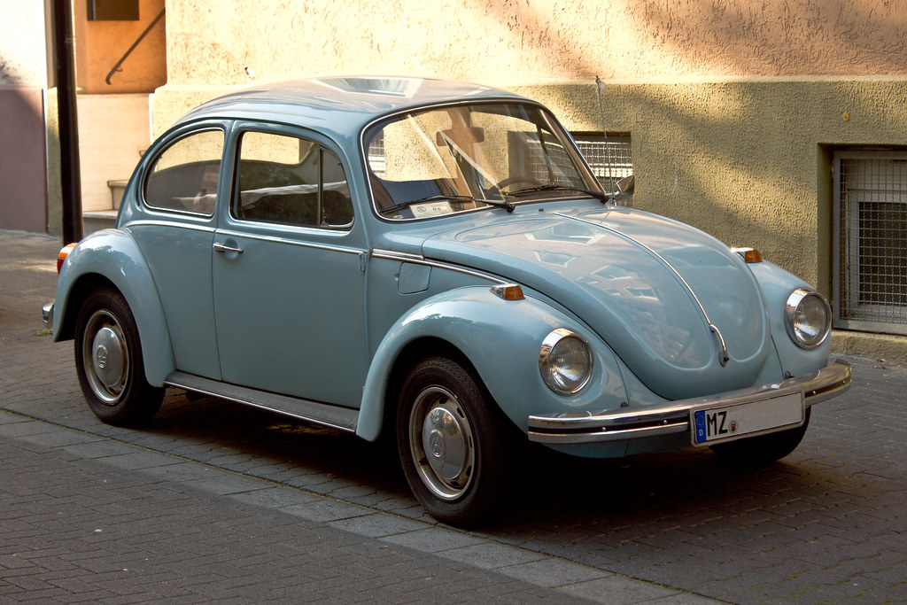 VW Käfer hellblau | Ein hellblauer Käfer von Volkswagen. | Justus Blümer | Flickr