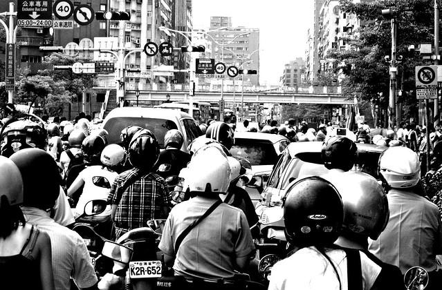 台灣的街景醜到阿兜仔都嘆為觀止!富比世用 5 點現象,說明台灣不是先進國家