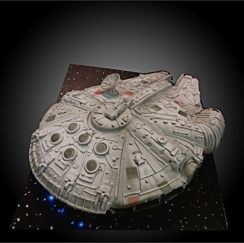 Millenium Falcon cake | by debbiedoescakes