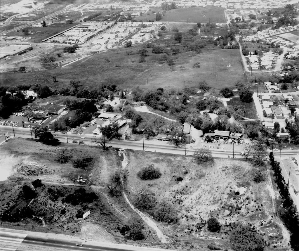 Aerial Of Thousand Oaks Blvd Showing Conejo Lodge Flickr