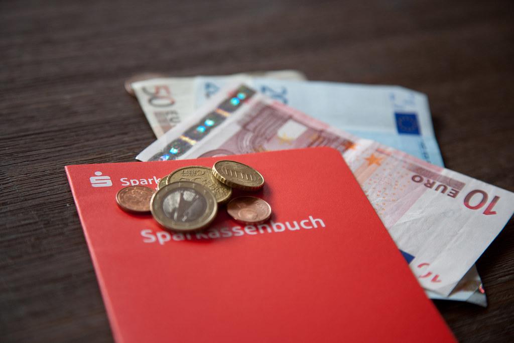Sparkasse Sparbuch Geld Motiv Geldr 252 Cklagen Bei