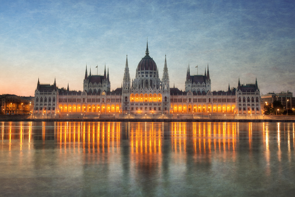 Budapest parliament thefella portfolio vimeo for Terrace pronunciation