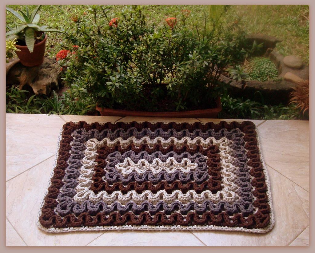 Tapete de crochet com fio de malha ou trapilhos crochet r for Tapetes de crochet