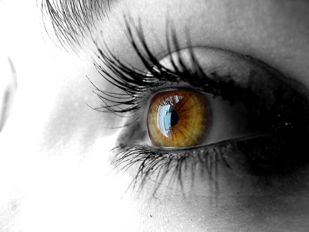 eye reflection selective colorization for an eye