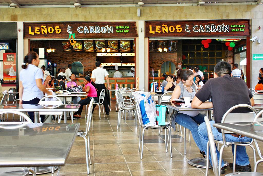 Lenos y carbon restaurant in jardin plaza mall in cali for Bodytech cali jardin plaza