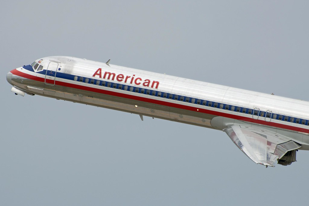 American Airlines McDonnell Douglas DC-9-83 (MD-83) (N971T ... American Airlines