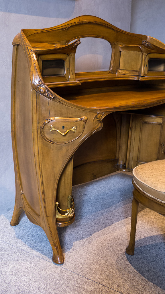 Hector guimard 1867 1942 mobilier provenant de la chamb for Chambre a coucher yvette