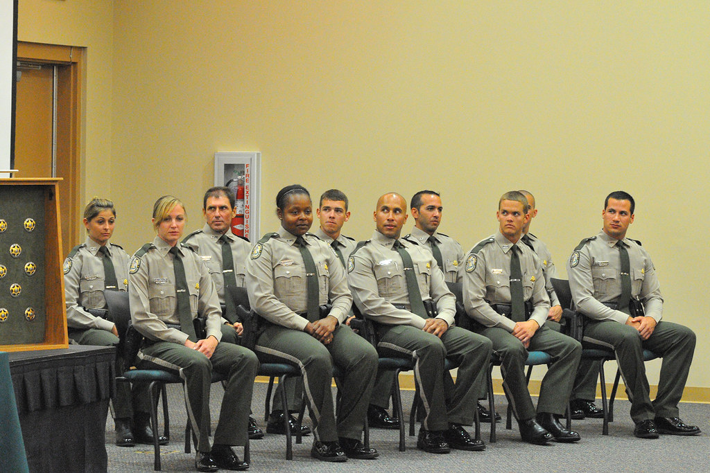 Dle class 16 graduation 07 fwc law enforcement academy for Florida fish and wildlife officer