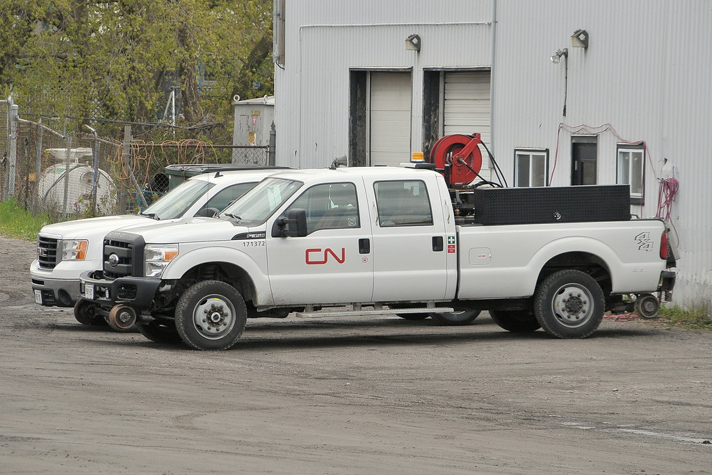 New Ford Trucks >> CN 171372 Ford F350 4X4 hi-rail pickup truck Brockville, O… | Flickr