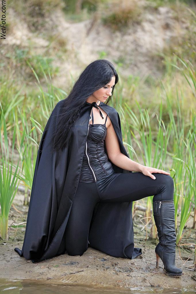 213 1 Dance On The Lake With Girl In Black Wetlook Leggin
