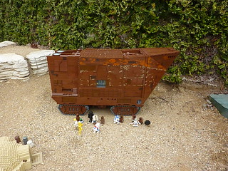 P1120006 the new sandcrawler model, with droid sale | by jawajames